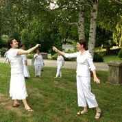 July 2013 Voices Rising performs at A Glimpse Beyond at Mount Auburn Cemetery